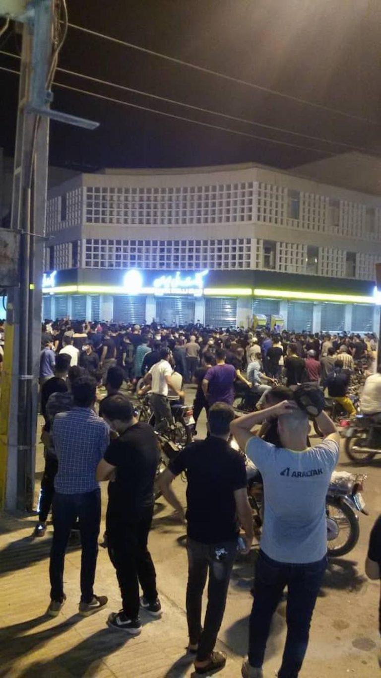 اعتراضات در شهرهای ایران-درگیریهای شدید در بهبهان