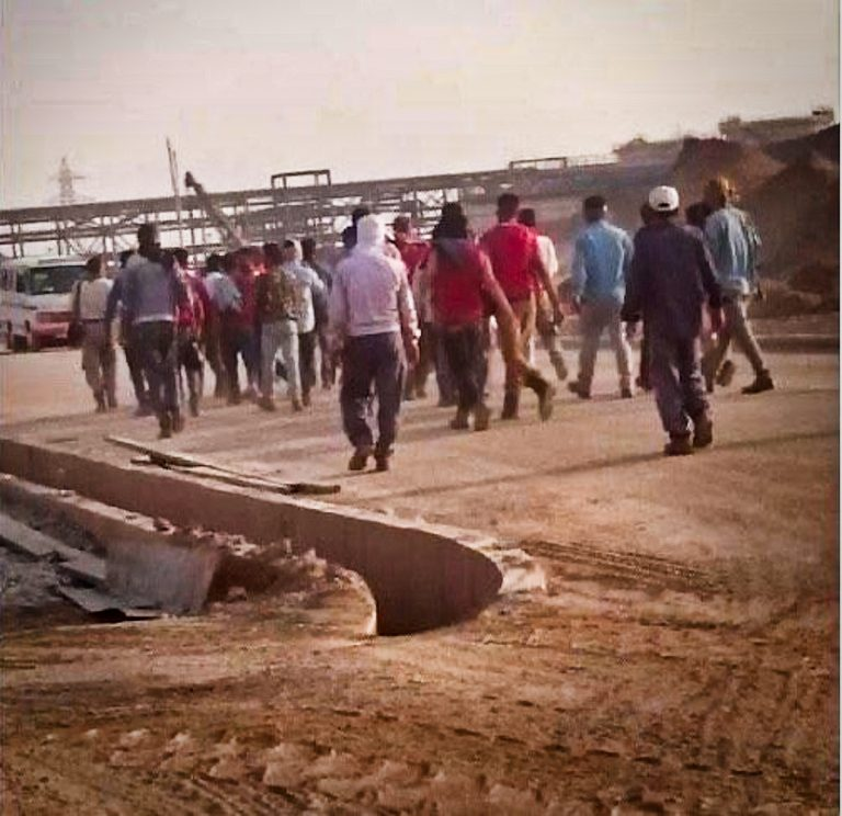 جنوب ایران در اعتصاب- نفت و گاز و پتروشیمی از کار افتادند