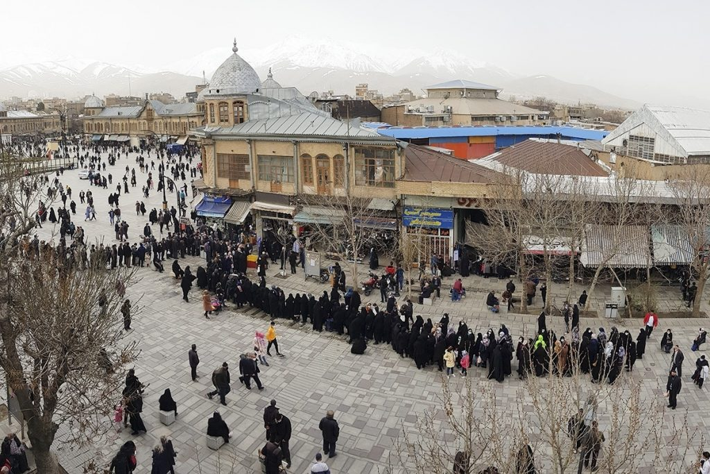 chicken-line-Iran